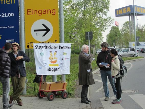 Aktion bei IKEA im April 2014
